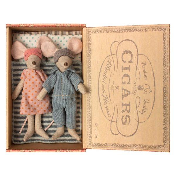 Maus Eltern mit Schlafbox in Holzbox